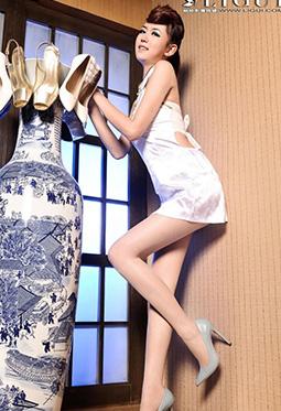 网络丽人Model可馨旗袍丝袜写真
