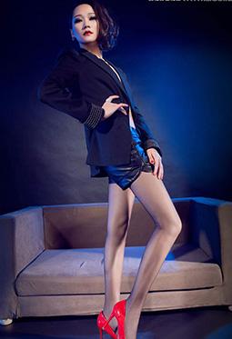 网络丽人Model曼蒂黑丝红高跟魅惑照